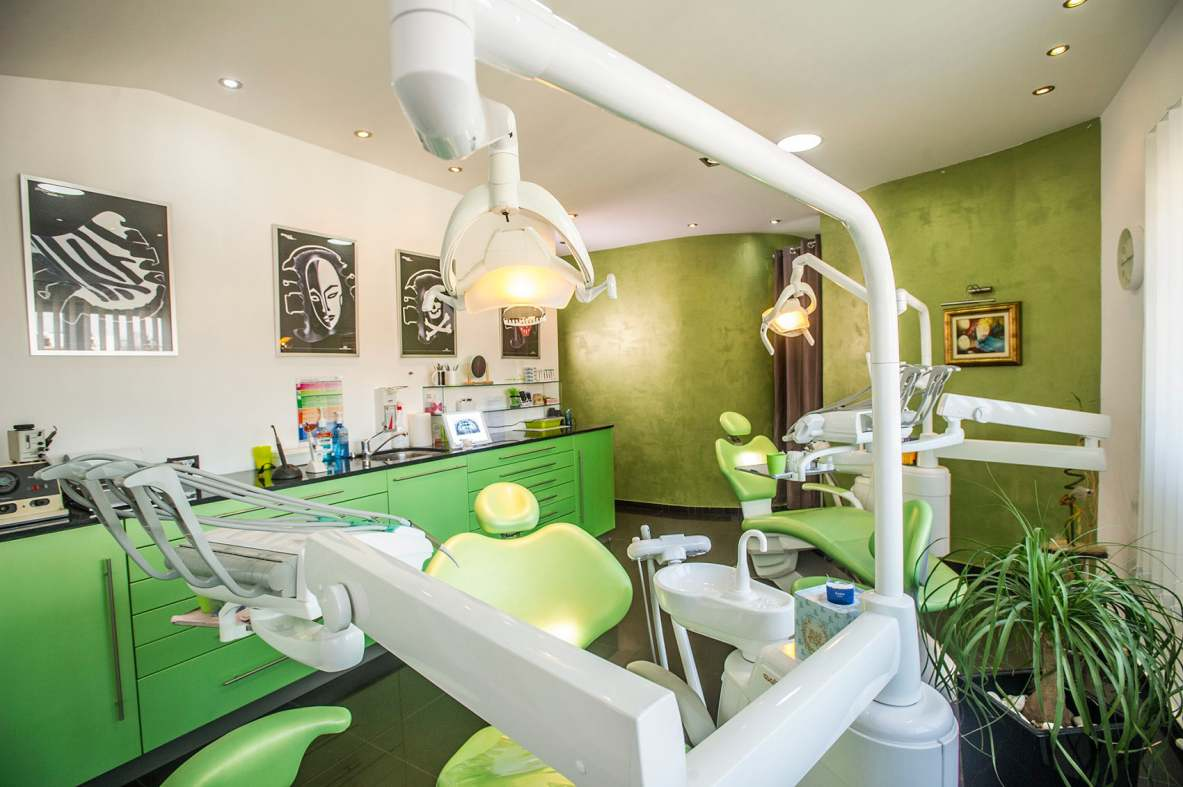 Stomatološka ordinacija Donna Dent - enterijer u zelenoj bojinn de